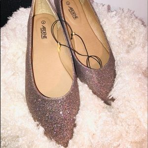 Cute pointed toe ballet flats